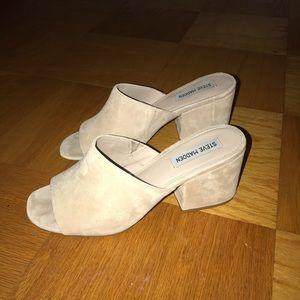 Steve Madden tan mule heels